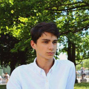Ádám (18)